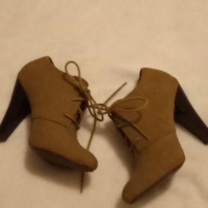 Apt 9 Suede-like Tie Heels